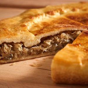 Пирог с грибами и капустой